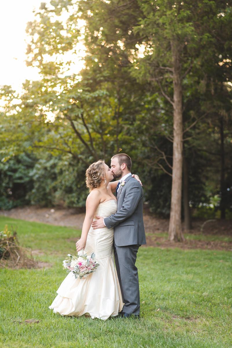 charlotte-nc-wedding-photographer-alexander-homestead_093